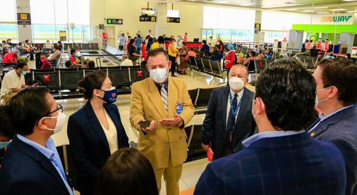 Reinician los vuelos comerciales en el Aeropuerto Internacional de El Salvador