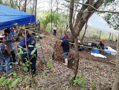 FGR informa que este lunes inician inspecciones en archivos militares por masacre de El Mozote