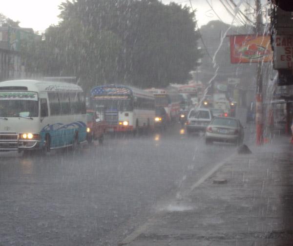 Clima fresco con alta posibilidad de lluvia