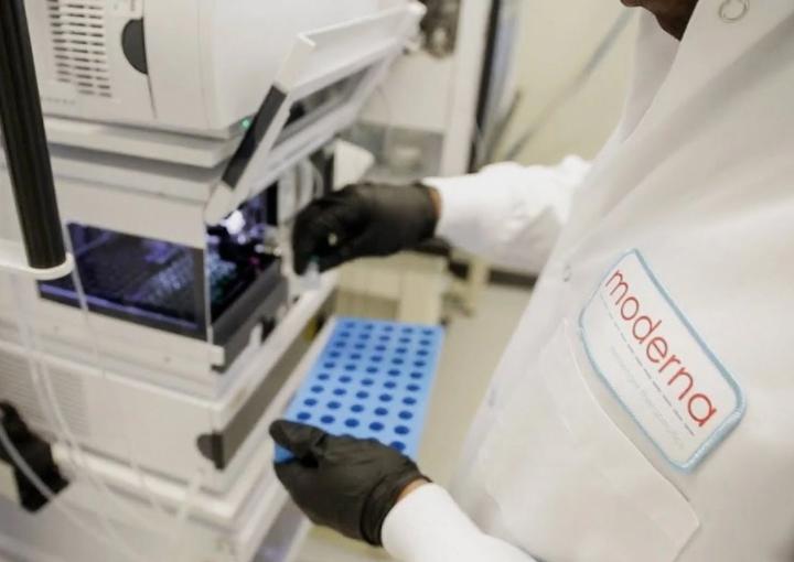 Moderna asegura tener vacuna con altos niveles de anticuerpos