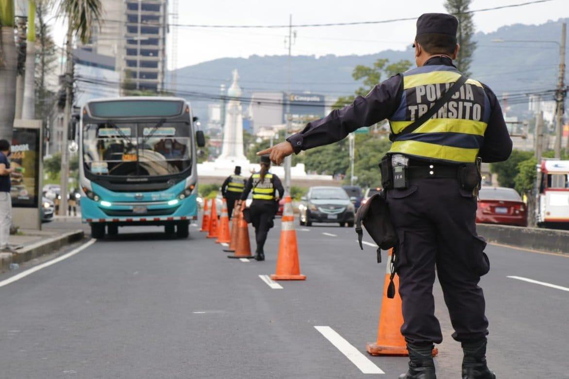 policia-transito-elsalvador