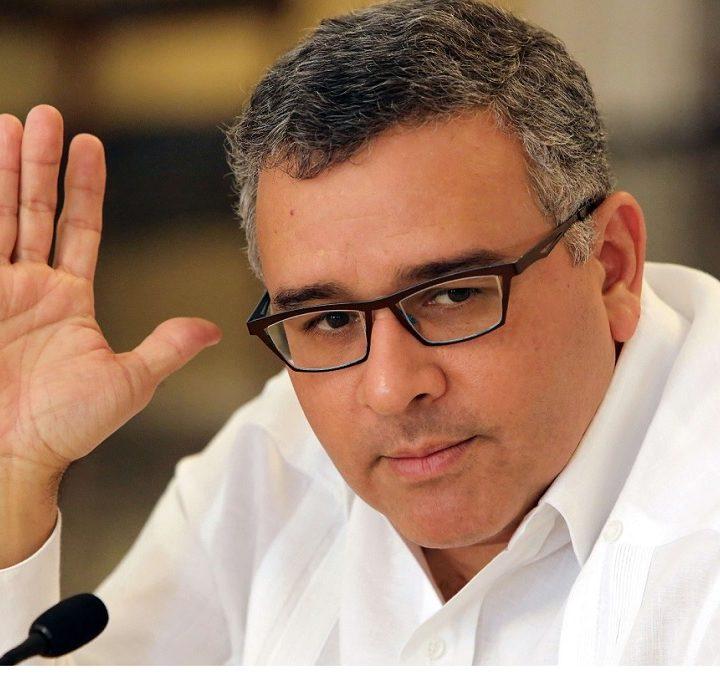Funes critica a gobierno por atraso en pago FODES