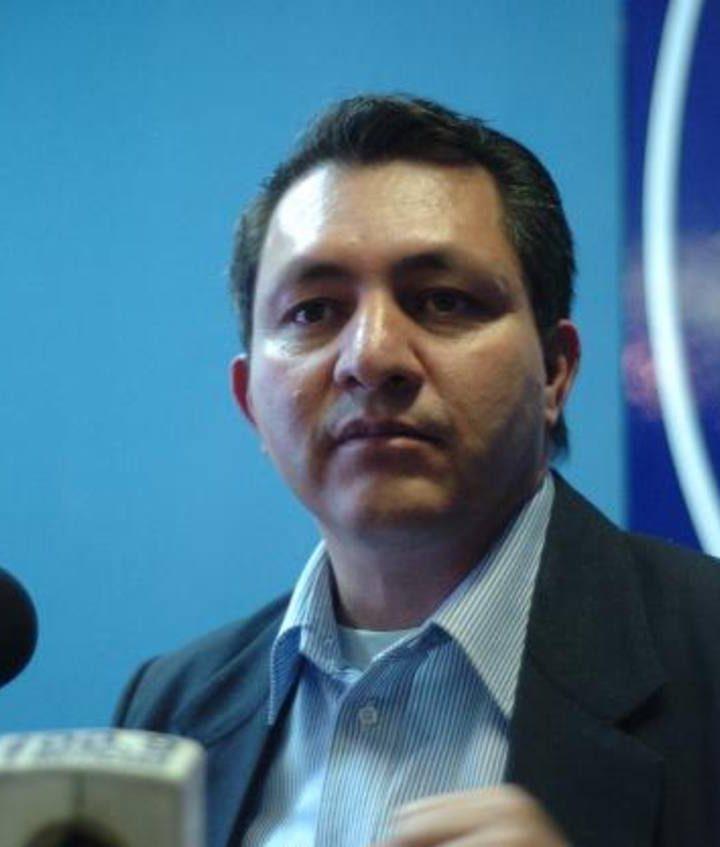 """""""Son normales los atrasos en los centros de votación"""". Mario Ponce"""