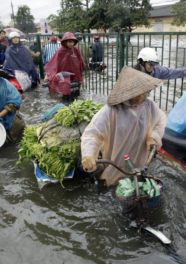 Más de 18 fallecidos en Vietnam por inundaciones.