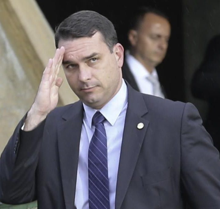 Fiscalía de Brasil denuncia a hijo de Bolsonaro.
