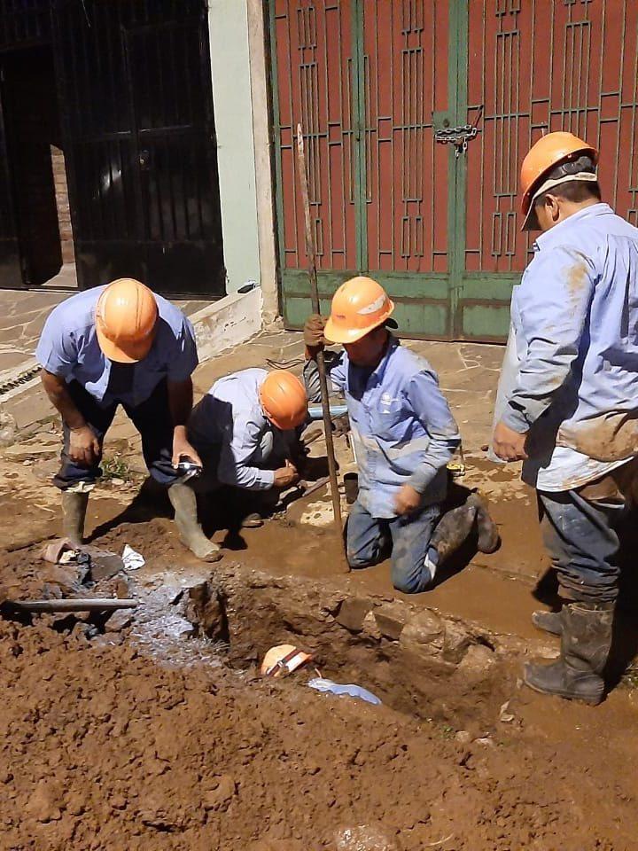 ANDA repara fugas de agua en Ataco y San Miguel
