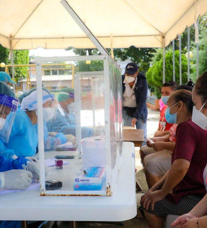 El Ministerio de Salud y EICEES realizan  pruebas COVID en el municipio Victoria, Cabañas
