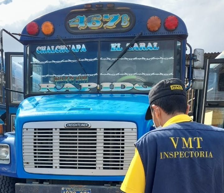 Inspectores del VMT supervisan unidades del transporte colectivo en todo el territorio nacional