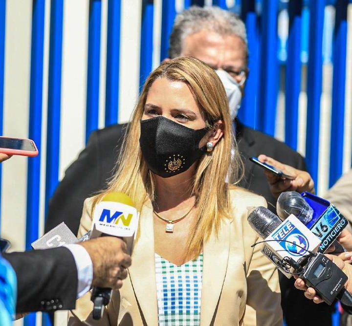Presidenta del Banco Hipotecario, presentó  aviso penal por presuntas actividades ilícitas durante la administración de Sánchez Cerén