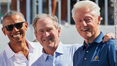 Expresidentes de USA se ofrece a colocarse la inyección contra Covid