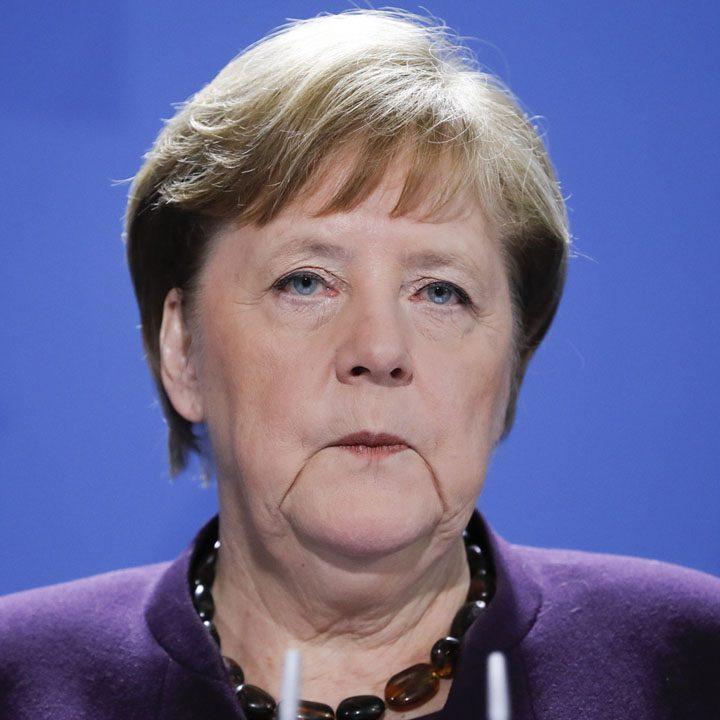 Partido de Merkel eligirá por correo electrónico