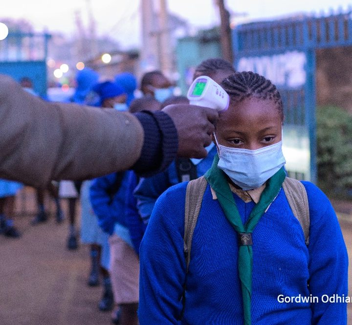 Reabren clases en Kenia