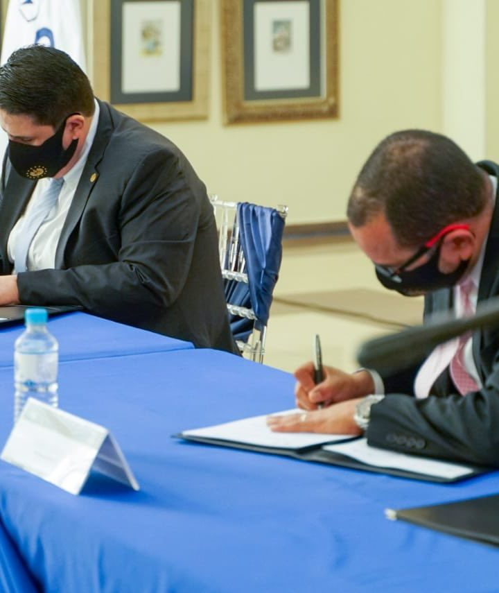 Firman convenio de cooperación técnica para el desarrollo de la Planta de Tratamiento de Aguas Residuales