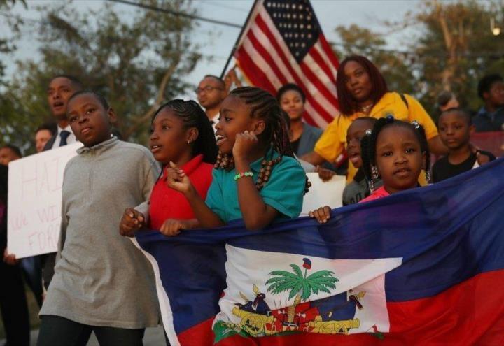 Estados Unidos sigue deportando niños a pesar de orden de Biden
