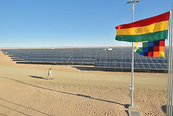 Bolivia inaugura la planta de energía solar más alta del mundo