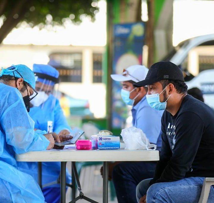 El Ministerio de Salud realiza pruebas PCR en el municipio de Jutiapa, del departamento de Cabañas