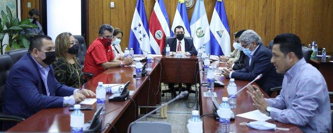 Asamblea Legislativa pide al  presidente y vicepresidente de la República abstenerse de emitir comentarios de confrontación