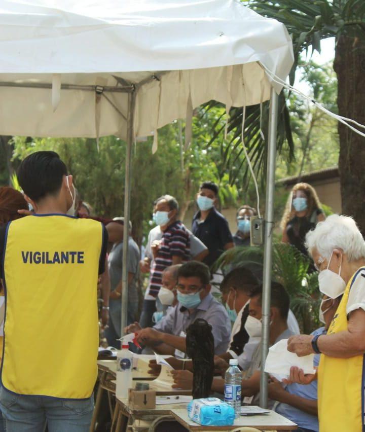 Poca afluencia de personas en el centro de Presbitero Fernando H. San German, Sonsonate
