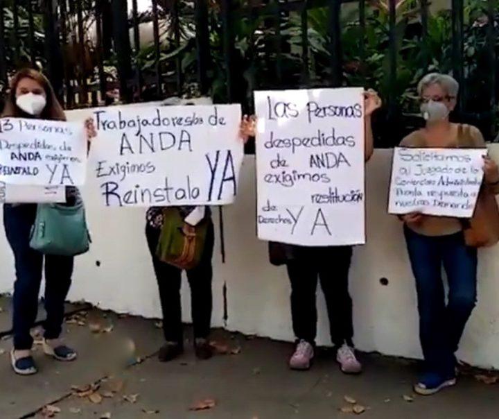 Ex empleados de ANDA solicitan pronta y cumplida justicia en sus  demandas por despidos