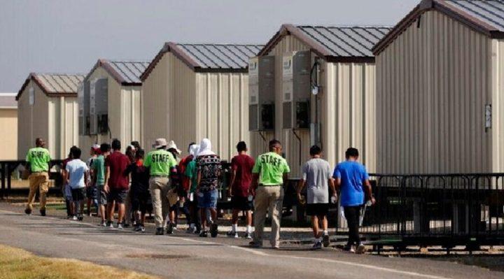 El Gobierno de Biden reabre un centro de detención para 700 niños migrantes en Texas