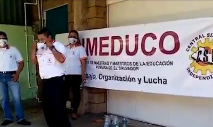 SIMEDUCO protestan  frente al Instituto Salvadoreño de Bienestar Magisterial