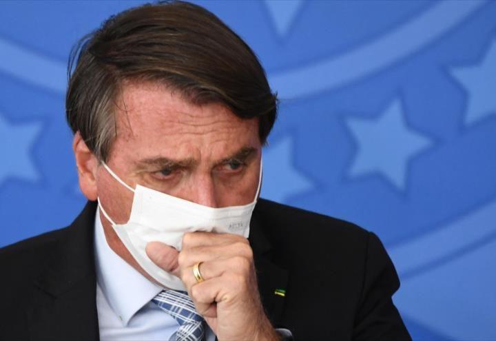 «Están estirando la cuerda»: Bolsonaro