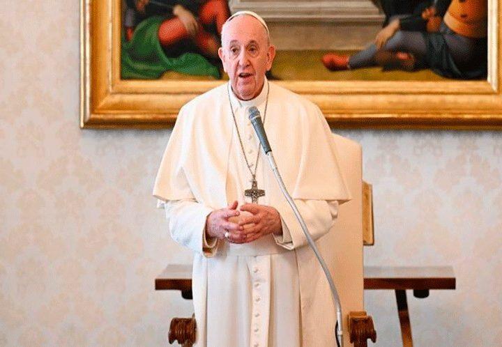 El Papa Francisco expresó que el racismo es un virus que muta fácilmente y en lugar de desaparecer se esconde, pero está siempre emboscado