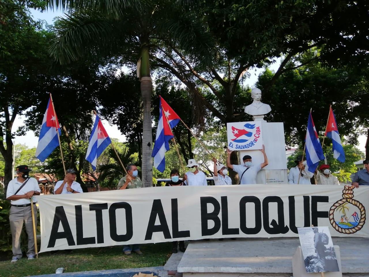 Caravana contra el bloqueo de Estados Unidos contra Cuba en El Salvador -  Voces