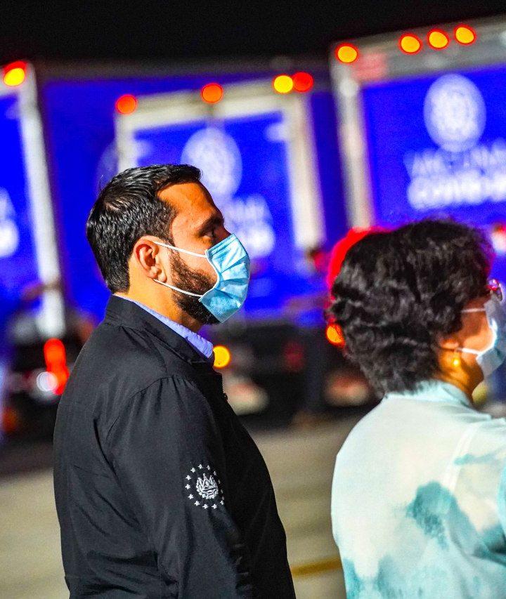 Llegó el cargamento de 150.000 vacunas donadas por China