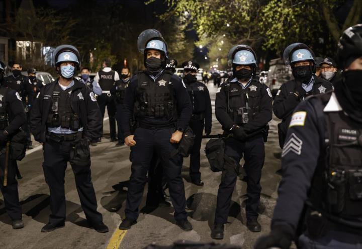 Policía de EEUU ha matado a 64 personas en los últimos 20 días