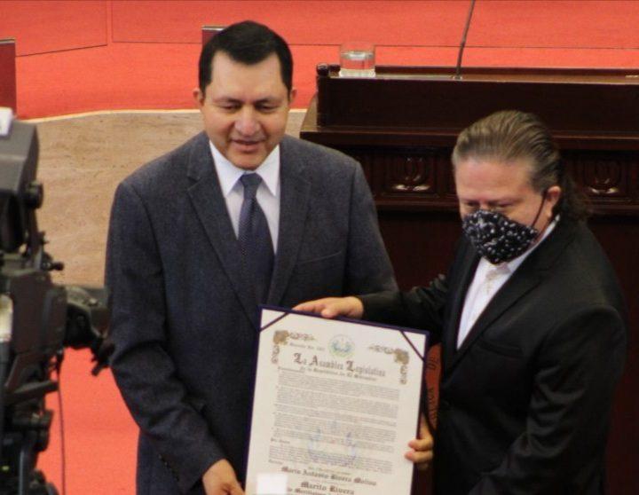 """Marito Rivera recibe el reconocimiento """"Hijo Meritísimo de El Salvador «"""