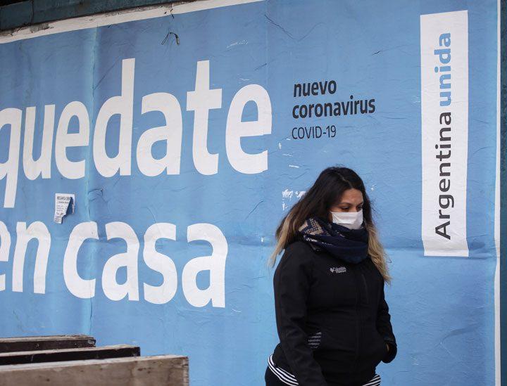 Argentina regresa al confinamiento estricto