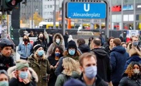 Alemania disminuye restricciones a las personas vacunadas