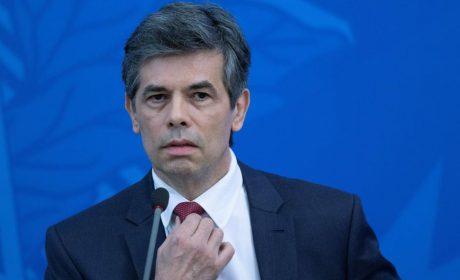 Ministro de Salud de Brasil renuncia por falta de «Libertad»