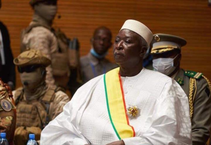 Detienen al presidente transitorio en Malí y se gesta otro golpe de Estado