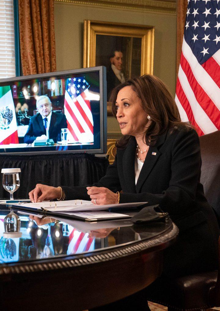 Vicepresidenta de EEUU se reúne con presidente mexicano