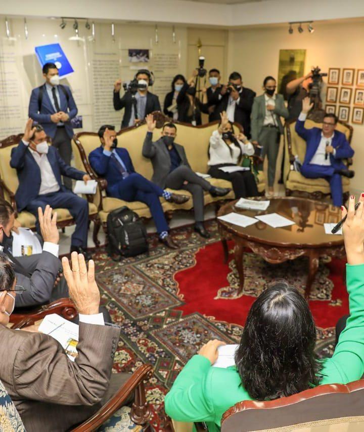 Diputados aprueban discutir paquete de préstamos de $1530 millones para proyectos