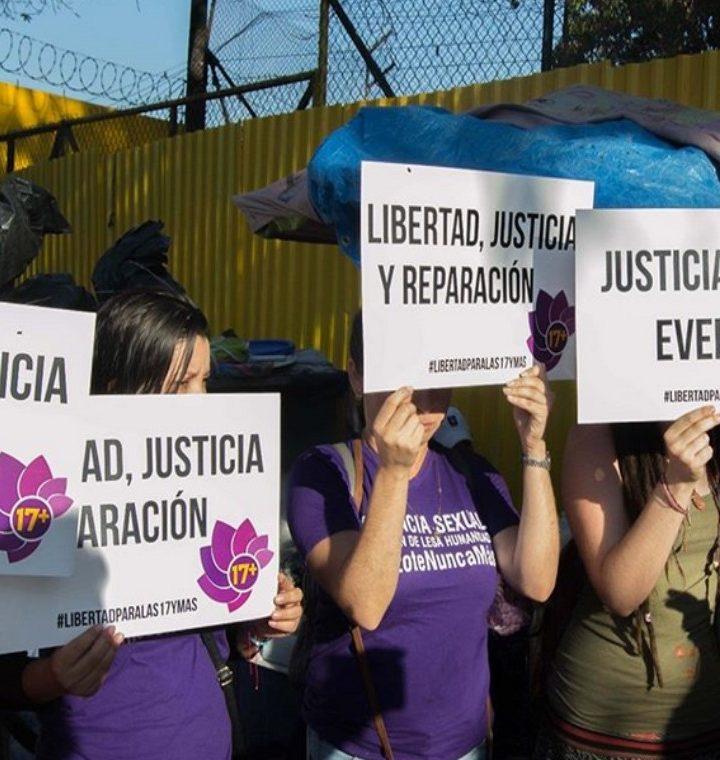 Mujer que sufrió aborto espontáneo seguirá en prisión debido a proceso judicial llevado a cabo por FGR