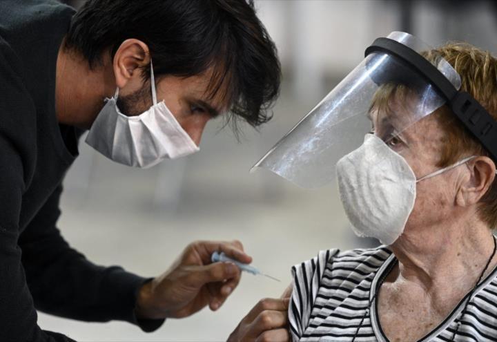 Estudio revela que vacuna Sputnik no propaga Covid19