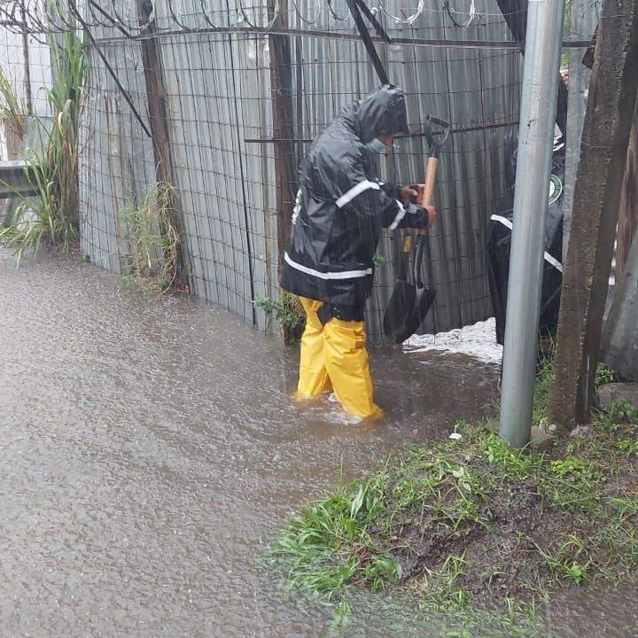 Fuertes críticas al alcalde de Sta. Tecla por respuesta ante lluvias