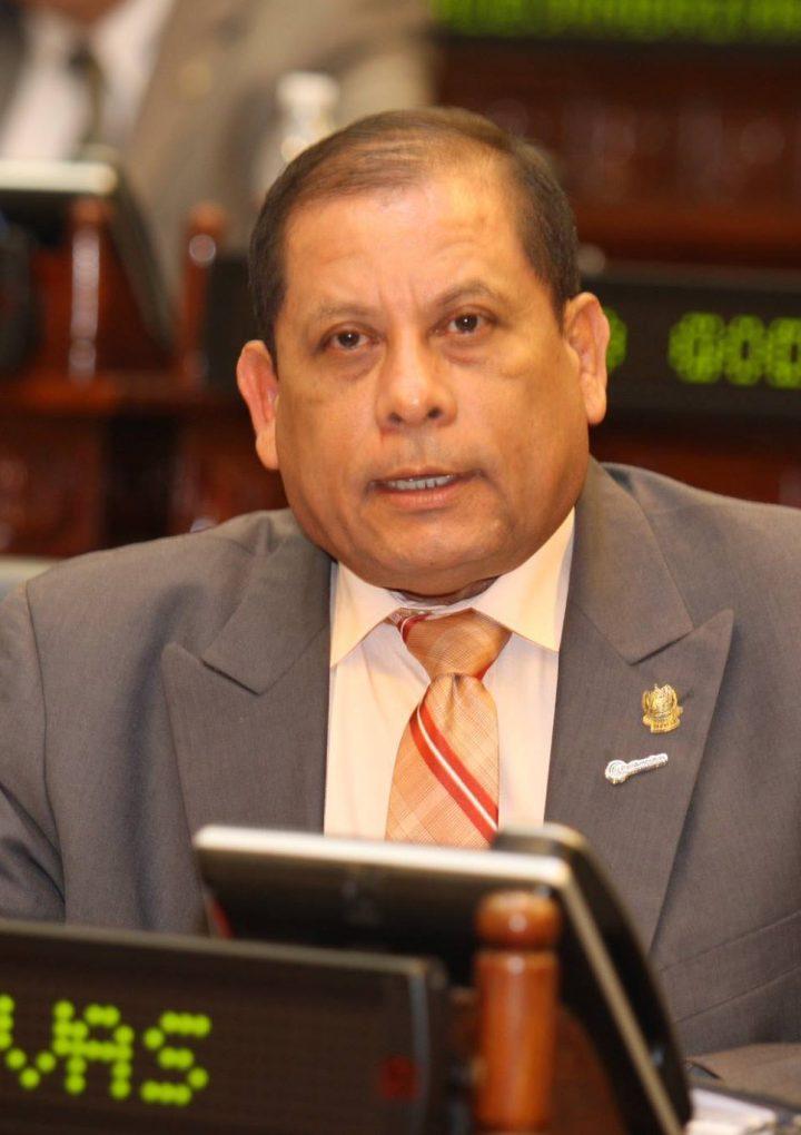Esposa desmiente muerte del diputado Adelmo Rivas