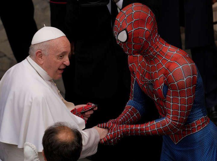 Papa Francisco tuvo encuentro con El Hombre Araña