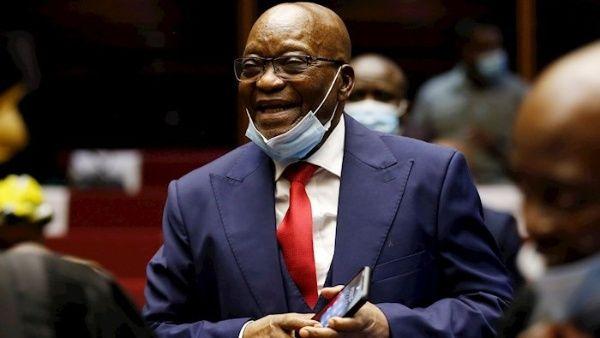 Prisión para expresidente de Sudafrica por desacato
