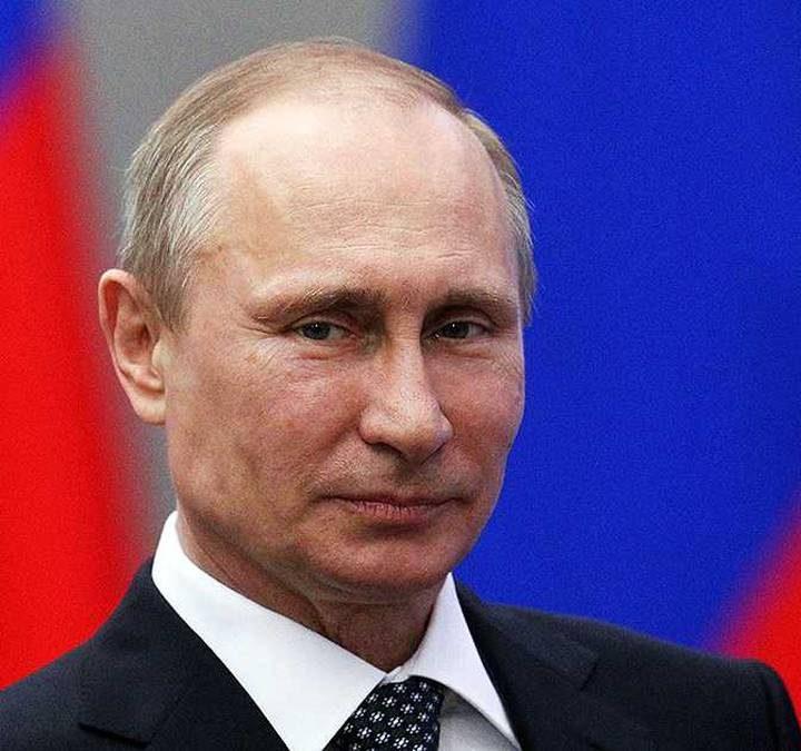 Putin ordena a su gobierno preparar planes para que visitantes internacionales puedan vacunarse en Rusia