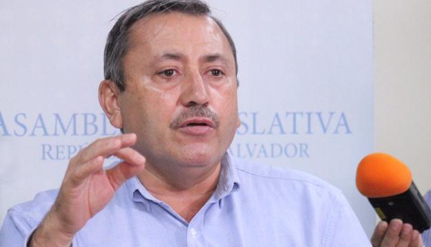 Ministerio de Trabajo cita a exdiputado Carlos Reyes por demanda de exempleados de ARENA