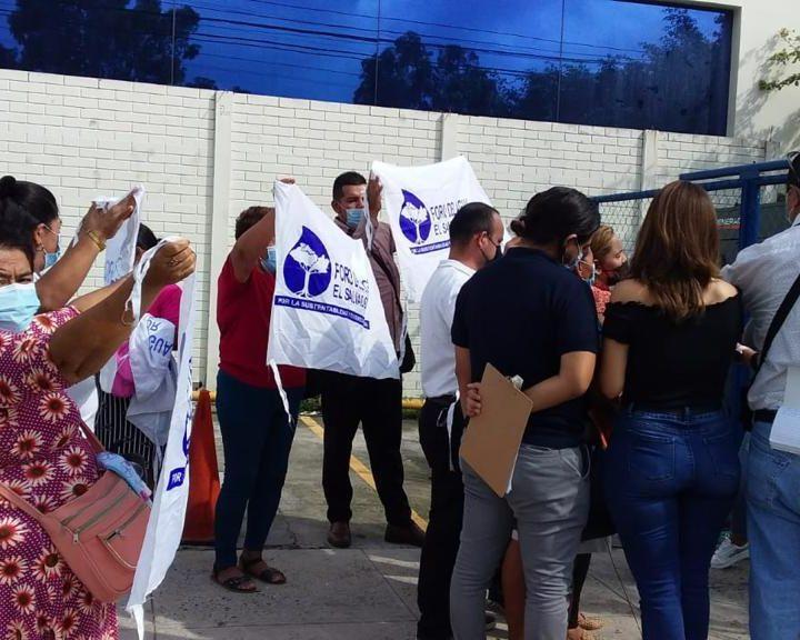 Comunidades de El Paisnal denuncian a empresa por desobedecer órdenes judiciales