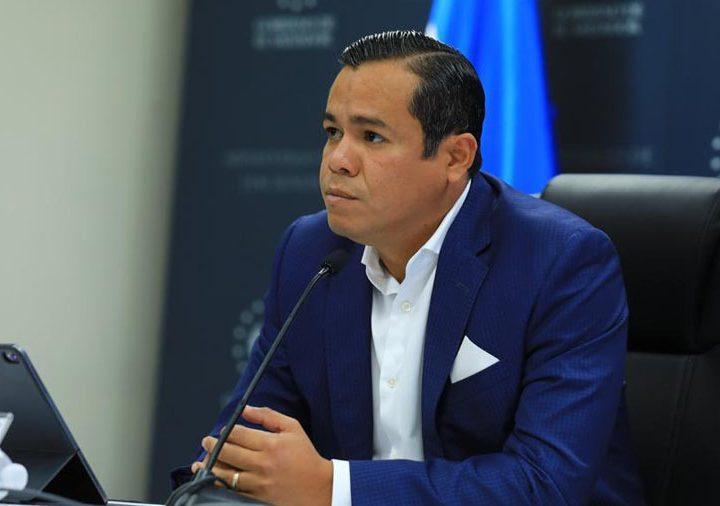 Ministro de Hacienda dice que aplicarán leyes para combatir el lavado de dinero a transacciones de la billetera Chivo