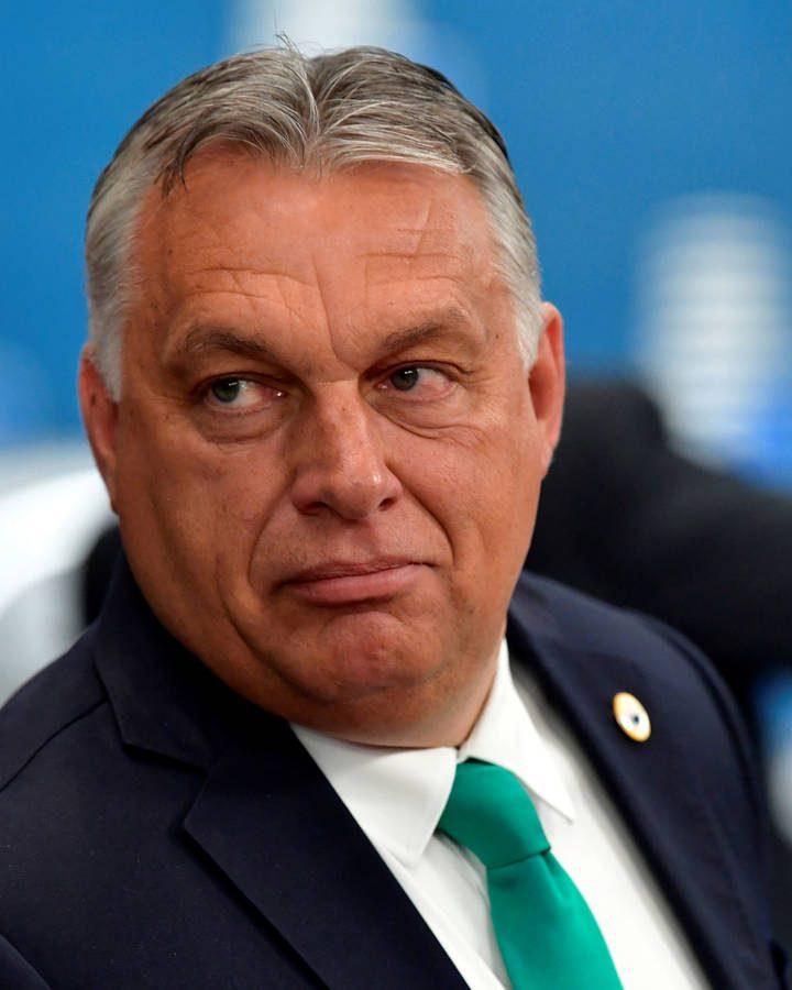 Hungría prohibiría hablar sobre la homosexualidad en las escuelas