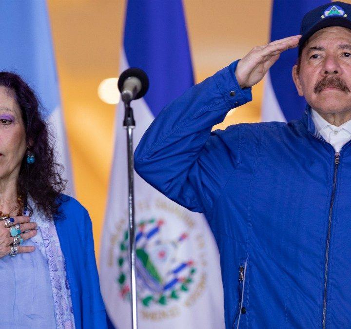 Estados Unidos restringe visas de 100 miembros del gobierno de Nicaragua
