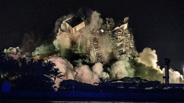 Demuelen restos de edificio colapsado en Florida